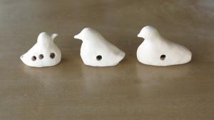 素焼きした小鳥笛