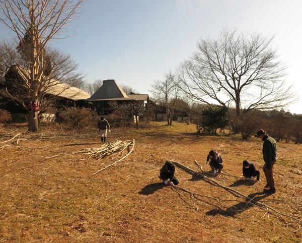 いわむらかずお絵本の丘美術館の草原・冬